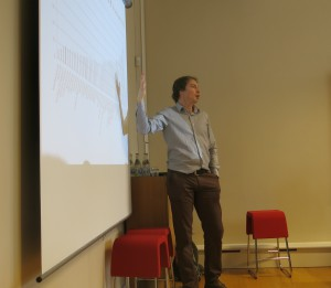 Jens Wilkens lectures at our course in Sweden's healthcare system